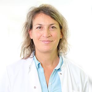 Dieses Bild zeigt ein Portrait von Frau Dr. med. Corinna Reimertz.