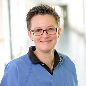 Dieses Bild zeigt ein Portrait von Frau Dr. med. Nadine Rütten.