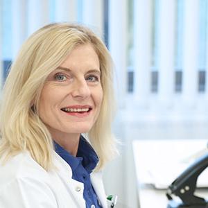 Dieses Bild zeigt ein Portrait von Frau PD Dr. med. Ingeborg Fraunholz.